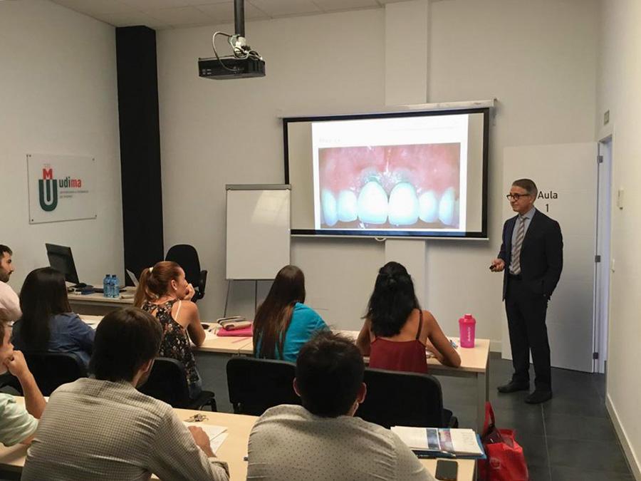 El Dr. Buitrago habla en la UDIMA-IPAO sobre el papel de los tejidos blandos en la prevención de la periimplantitis